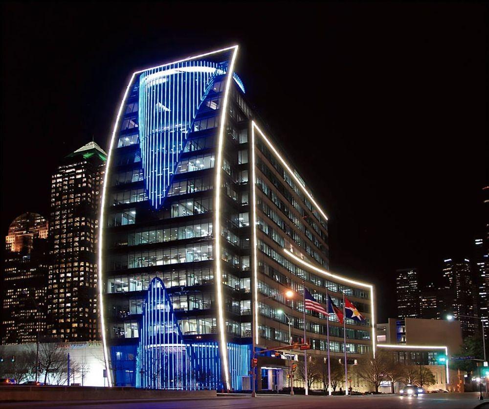Правильное освещение торгового центра